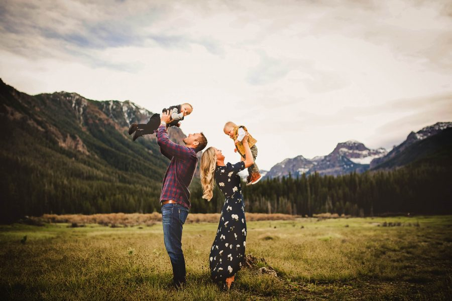 Outdoor family portraits and kid photography in Montana