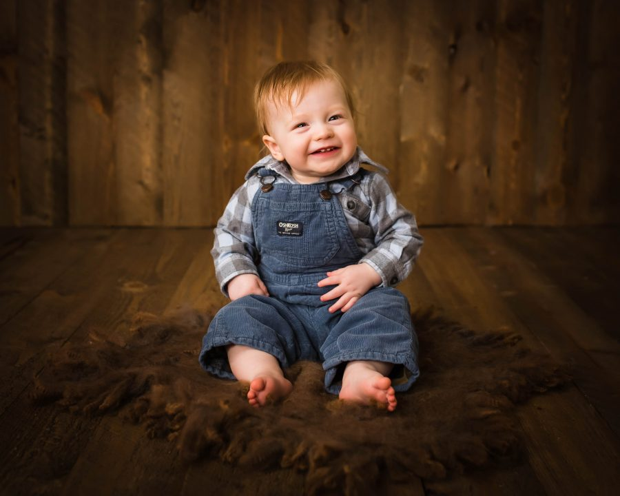 Newborn infant baby photography in Montana
